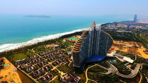 华南公司承建的海棠湾红树林七星级度假酒店工程位于海南省三亚市